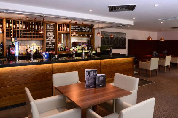 033 Bar Area - Ramada Telford Ironbridge