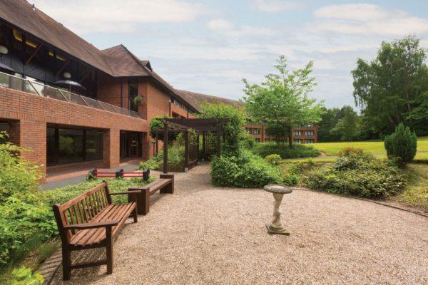 Ramada-Telford-Ironbridge---Garden-Patio---1142003-(1)-min